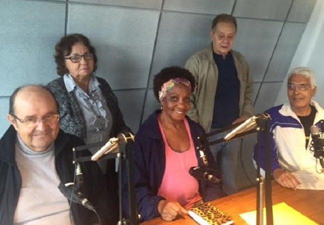 Na maravilhosa Rádio 60.0 todos os comunicadores são idosos
