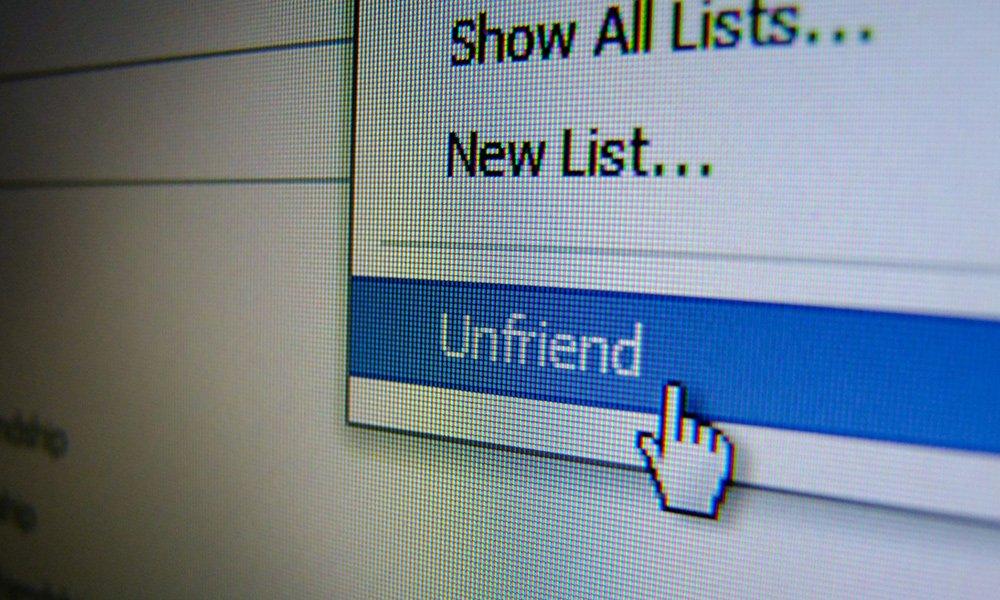 Pesquisa explica: Por que deletamos amigos do Facebook?