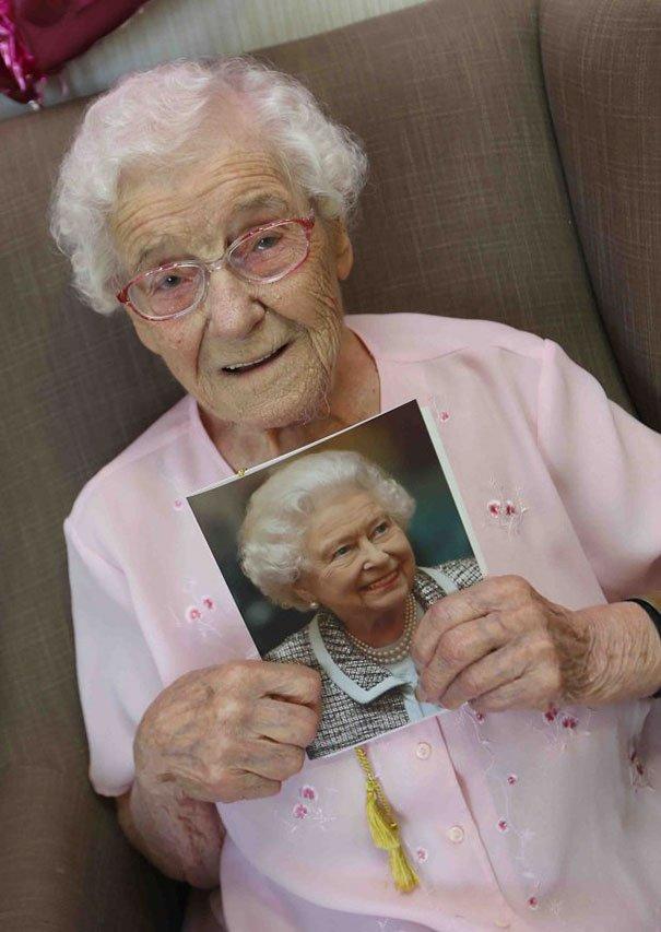 105-year-old-grandmother-birthday-wish-fireman-ivena-smailes-5