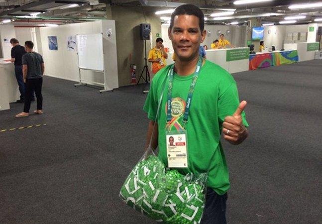 Conheça o 'distribuidor oficial de camisinhas' da Olimpíada que virou sensação na web