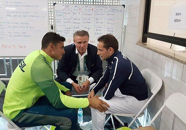 O comovente momento em que Thiago Braz consola atleta francês vaiado pela torcida brasileira