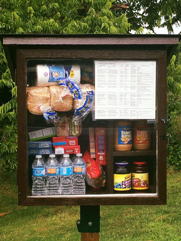 free-little-pantry-feed-homeless-poor-jessica-mcclard-11-1