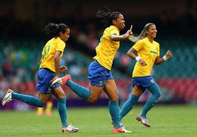Jogadoras da seleção feminina de futebol jogaram mais de um ano sem contrato assinado pela CBF