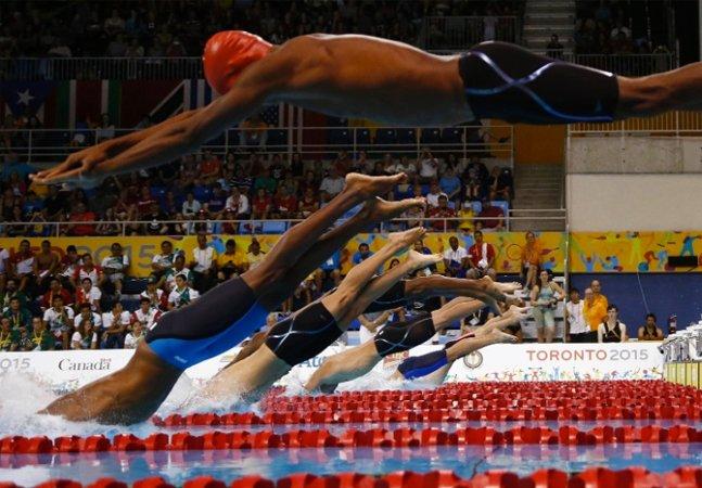Sem piscina, este nadador  haitiano treinou para a  Olimpíada com vídeos de Phelps