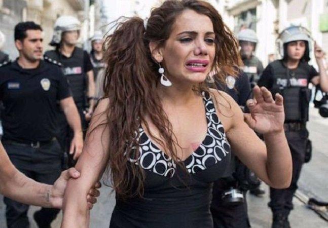 Após decapitação de homossexual em Istambul, ativista LGBT é estuprada e queimada na Turquia