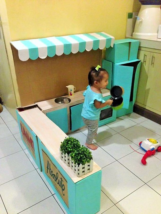 how-to-create-a-mini-cardboard-kitchen-for-you-toddler-4__700