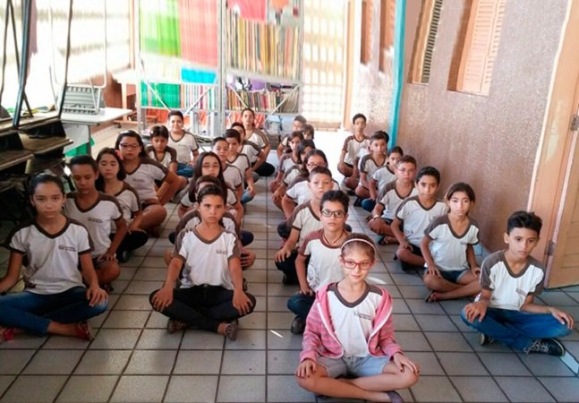 Meditação e equilíbrio emocional estão no currículo desta escola da Paraíba