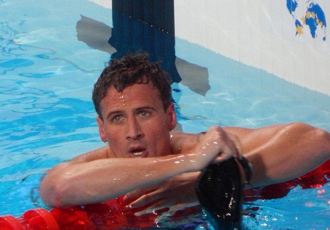 Após inventar assalto durante a Rio 2016, nadador perde primeiro patrocinador