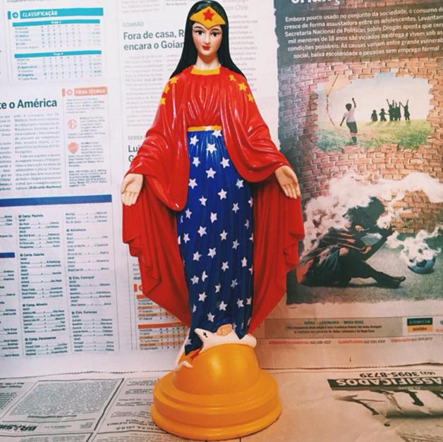 santa-blasfemia-imagens-religiosas-personagens-body-image-1456251683