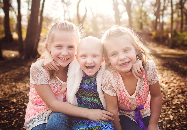 Eles fotografam crianças com câncer sorrindo para mostrar a alegria natural de cada uma delas