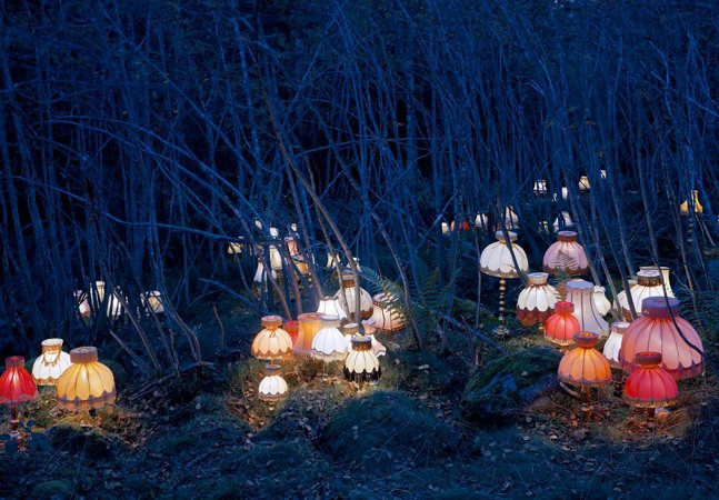 5 instalações artísticas surreais que usam a natureza como suporte