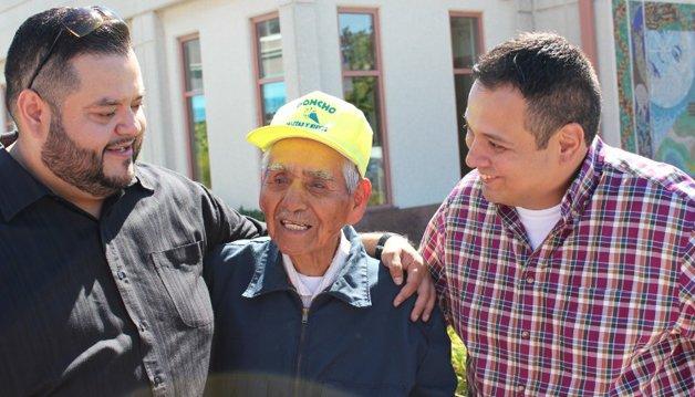 Joel, Sanchez e o amigo que ajudou a preparar a campanha