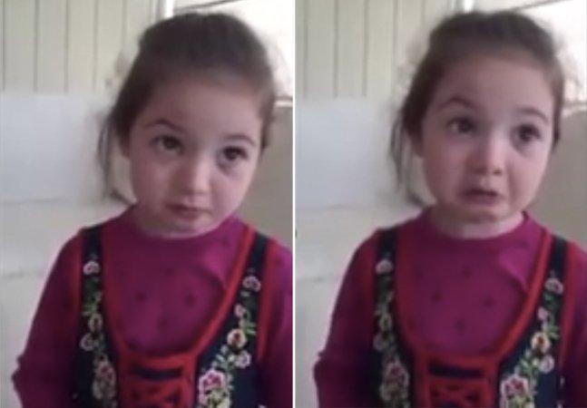 Vídeo mostra menininha oferecendo uma grande lição sobre comer animais e viraliza na web