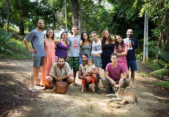 'Casinha do amô': família foge dos padrões sociais e decide bioconstruir sua própria casa – e o resultado é lindo