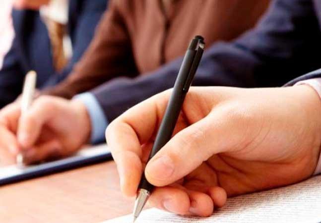 Especialistas afirmam que escrever à mão ajuda a desenvolver o cérebro