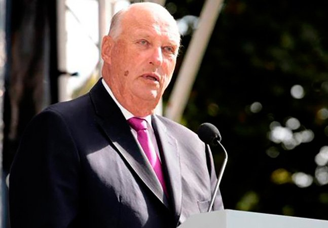 Rei da Noruega faz discurso lacrador apoiando imigrantes e comunidade LGBT