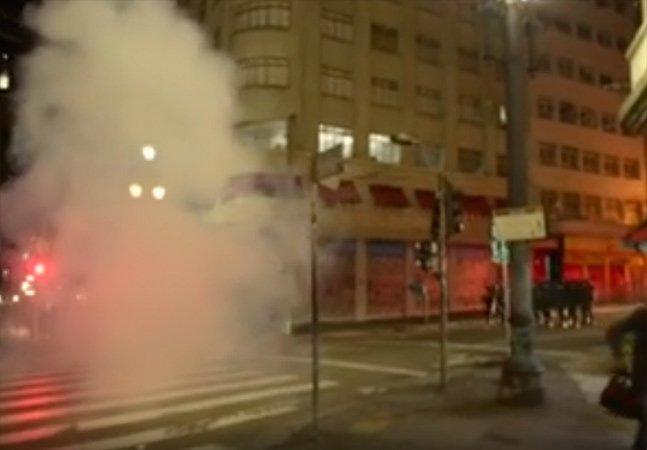 [Vídeo] PM joga bombas de gás em evento de samba rock no Largo do Paissandu e causa pânico