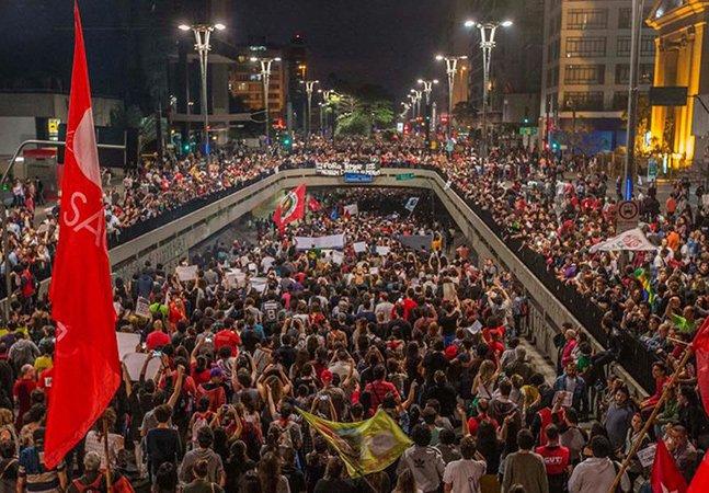 Protesto contra Temer reúne mais de 100 mil pessoas em São Paulo; PM responde com violência
