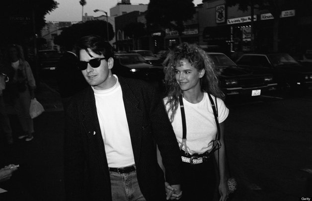 O ator Charlie Sheen e a atriz Kelly Preston © Time & Life Pictures/Getty Images