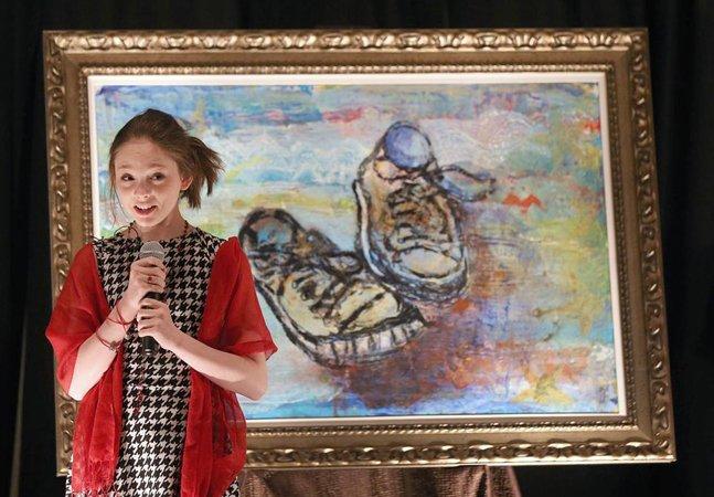 Aos 8 anos, ela fazia pinturas incríveis; agora tem 14 e já arrecadou 7 milhões de dólares com suas obras de arte