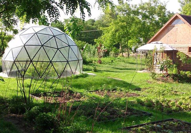 Estas casas em formato de cúpula não só são sustentáveis, como à prova de terremotos