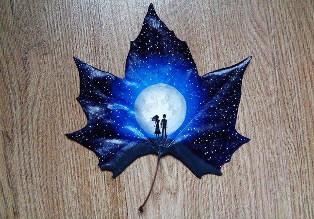 Casal usa folhas caídas para criar obras de arte do outro mundo