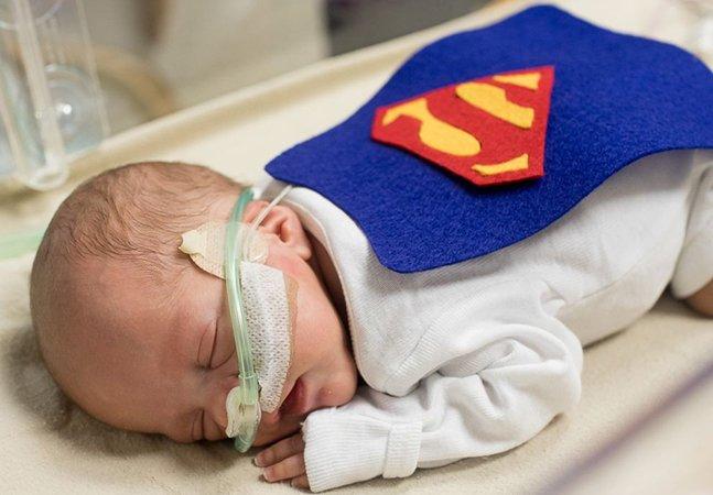 Recém-nascidos internados em UTI neonatal ganham fantasias inspiradoras para o Dia das Bruxas