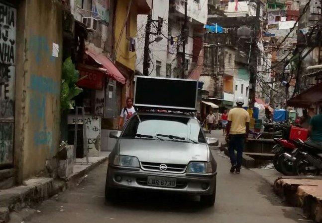 Ex-detento aposta em marketing digital para alavancar comércios na Rocinha