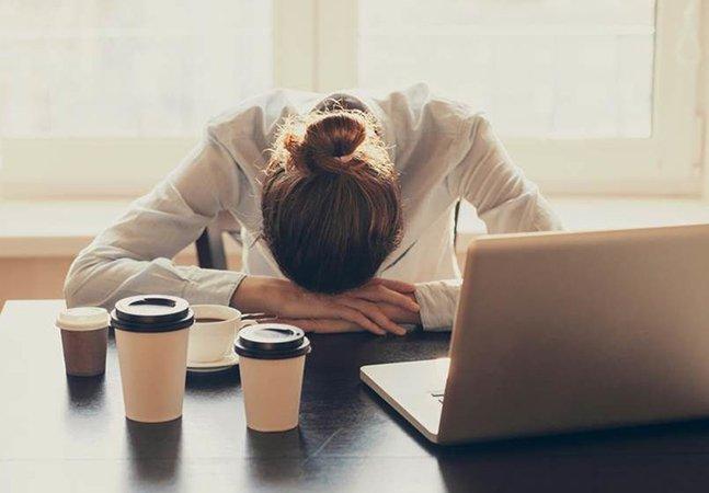 Revista anuncia como pré-requisito pra vaga 'dormir apenas 5 horas' e revolta internautas