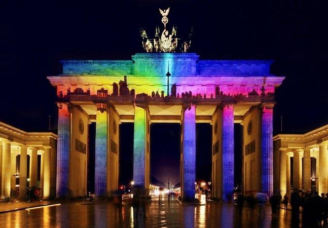 Alemanha destina €30 milhões para indenizar 5 mil pessoas presas por serem gays