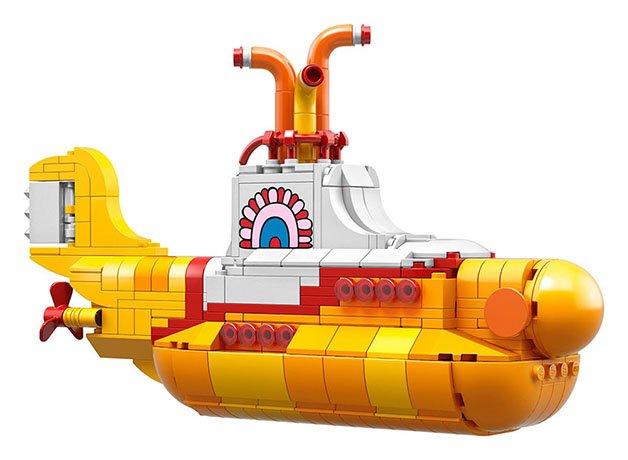 beatles-yellow-submarine-lego-6-57ffb7aa97a40__880