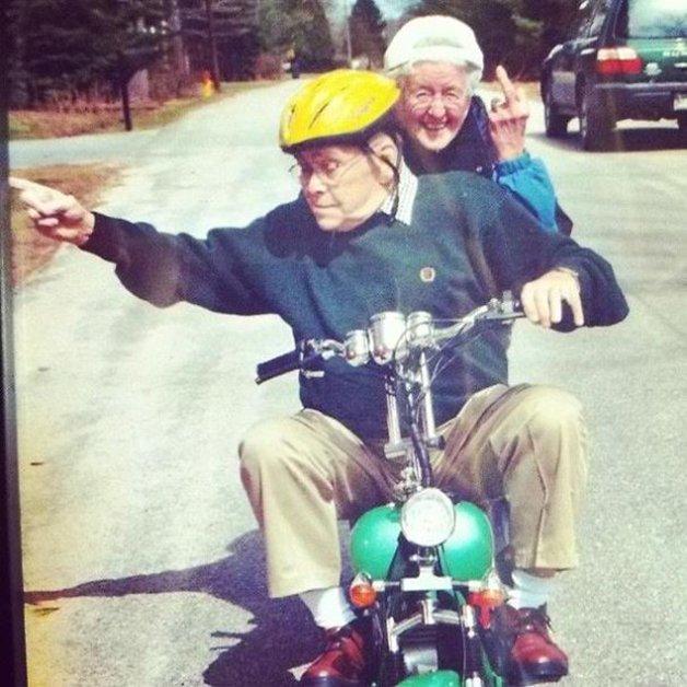 elderly-couples-in-love-9-57f4be7fda5b3__605
