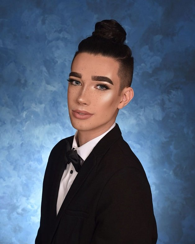 first-male-covergirl-spokesmodel-james-charles-24