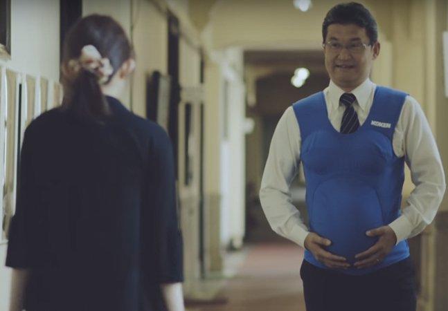 No Japão, políticos simulam gravidez e sentem na pele dificuldades enfrentadas por mulheres