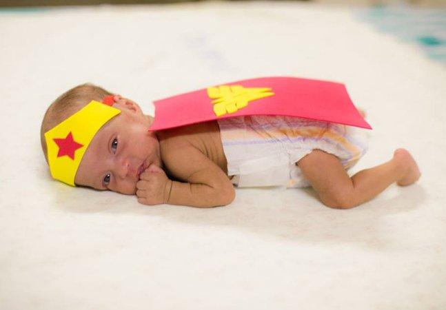Para aliviar sofrimento dos pais, este hospital organizou uma seção de fotos com os bebês da UTI neonatal
