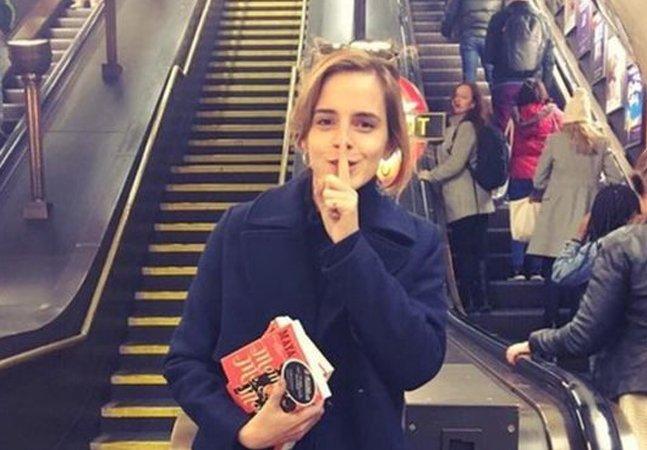 Emma Watson espalha livros feministas pelo metrô de Londres com direito à dedicatória