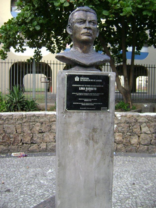 Busto de Lima Barreto no Rio de Janeiro