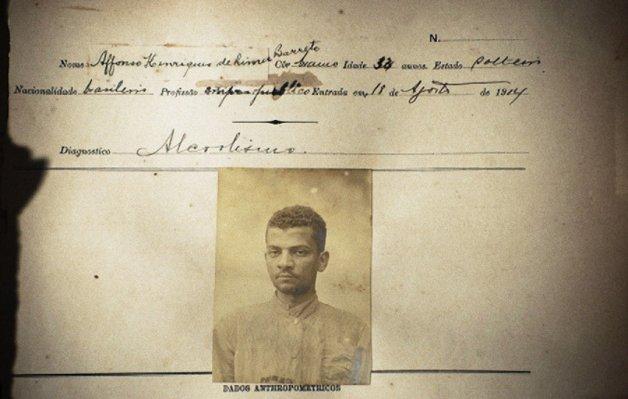 Ficha de entrada de Lima Barreto no Hospital dos Alienados. Diagnóstico: alcoolismo