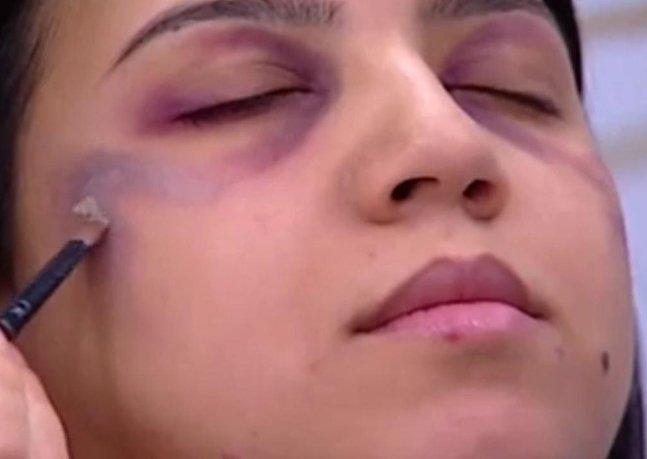 Debate: essa TV criou um tutorial de maquiagem para esconder marcas de violência doméstica
