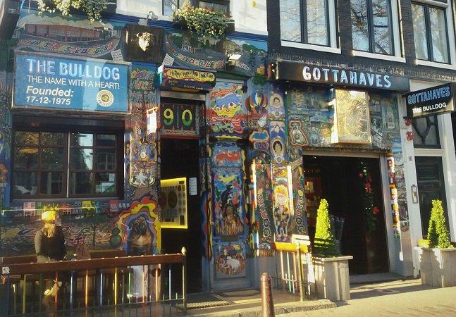 Fomos conhecer a primeira coffeeshop de Amsterdã