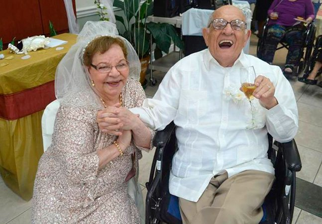 Conheça a história da senhora que ficou noiva e se casou pela primeira vez aos 80