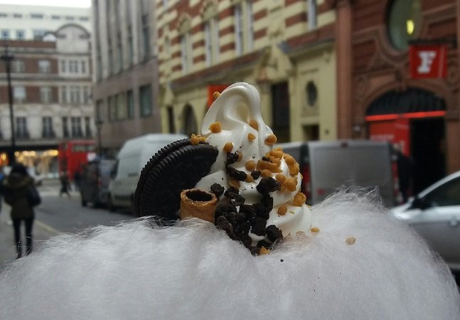 Misturaram sorvete com algodão-doce e nós fomos até Londres conferir essa delícia