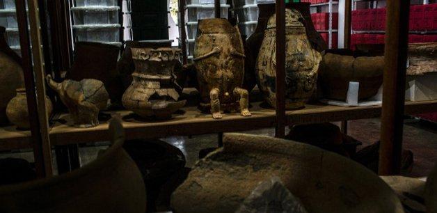 Cerâmicas e outros objetos encontrados na região