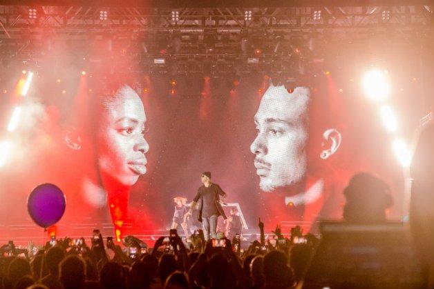 O rapper Mr. Probz arrebentando no Armin Only Embrace São Paulo