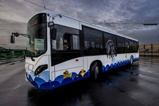 creative-street-art-buses-in-norway-6-900x599