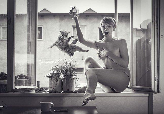 Fotógrafo surpreende pessoas em momentos íntimos para fazer retratos espontâneos e divertidos