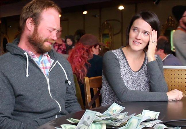Flashmob emocionante arrecada dinheiro para tratamento de mãe que batalha contra câncer