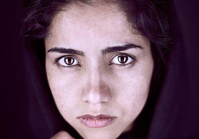 Menina de 19 anos usa seu incrível talento musical para fugir de casamento forçado