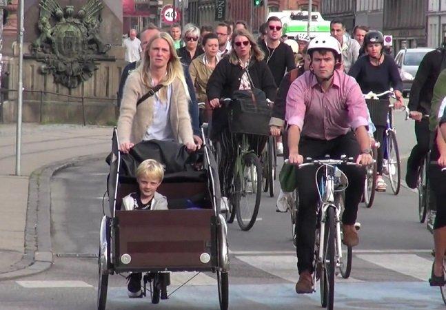 O que o cruzamento cicloviário mais movimentado do mundo tem a nos ensinar sobre segurança