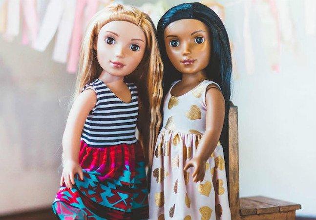 Mulher cria as bonecas de diferentes culturas que ela nunca pôde ter